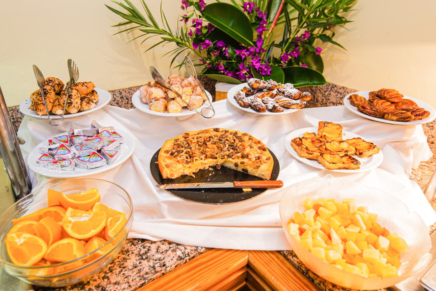 Quijote Apartments Breakfast